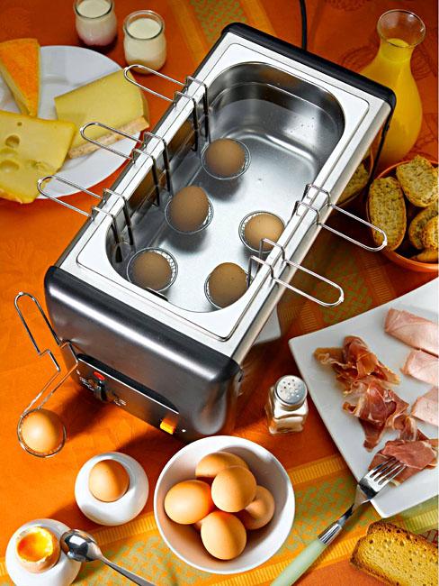 Photo d'un cuiseur à œuf professionnel Roller Grill