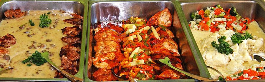 buffet chaud dans vitrine chauffante 34692